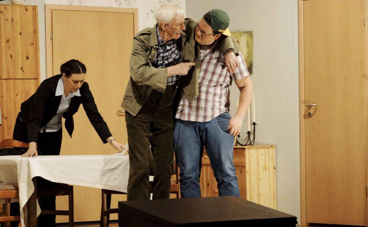Eine Komödie voller Irrungen und Wirrungen hat die Stemmer Laienspielgruppe mit Erfolg auf die Bühne gebracht. Foto: Erich Schulz
