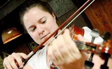 RundschauRedakteurin im Selbstversuch Die erste Geigenstunde  Von AnnChristin Beims
