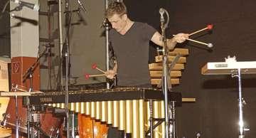 Percussionist Alexej Gerassimez spielt in Lauenbrück