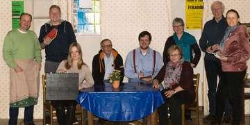Stemmer Theatergruppe lädt zu Ehepoor Voos schoolt üm