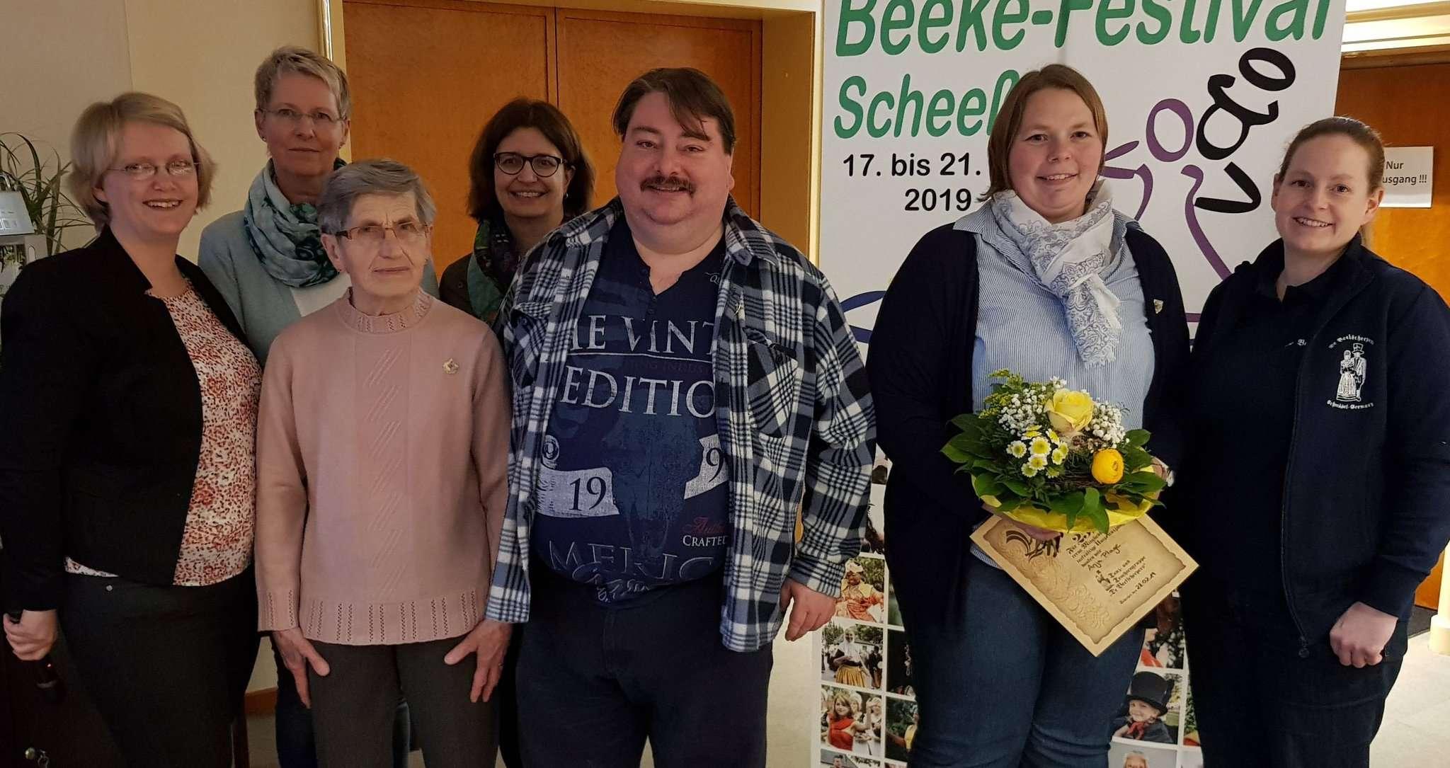 Die Jubilare Tanja Rathje (von links), Stefanie Balzer, Erika Weseloh, Sabine Schmedt, Roland Röpnack, Anja Plage und Christine-Kai Humrich