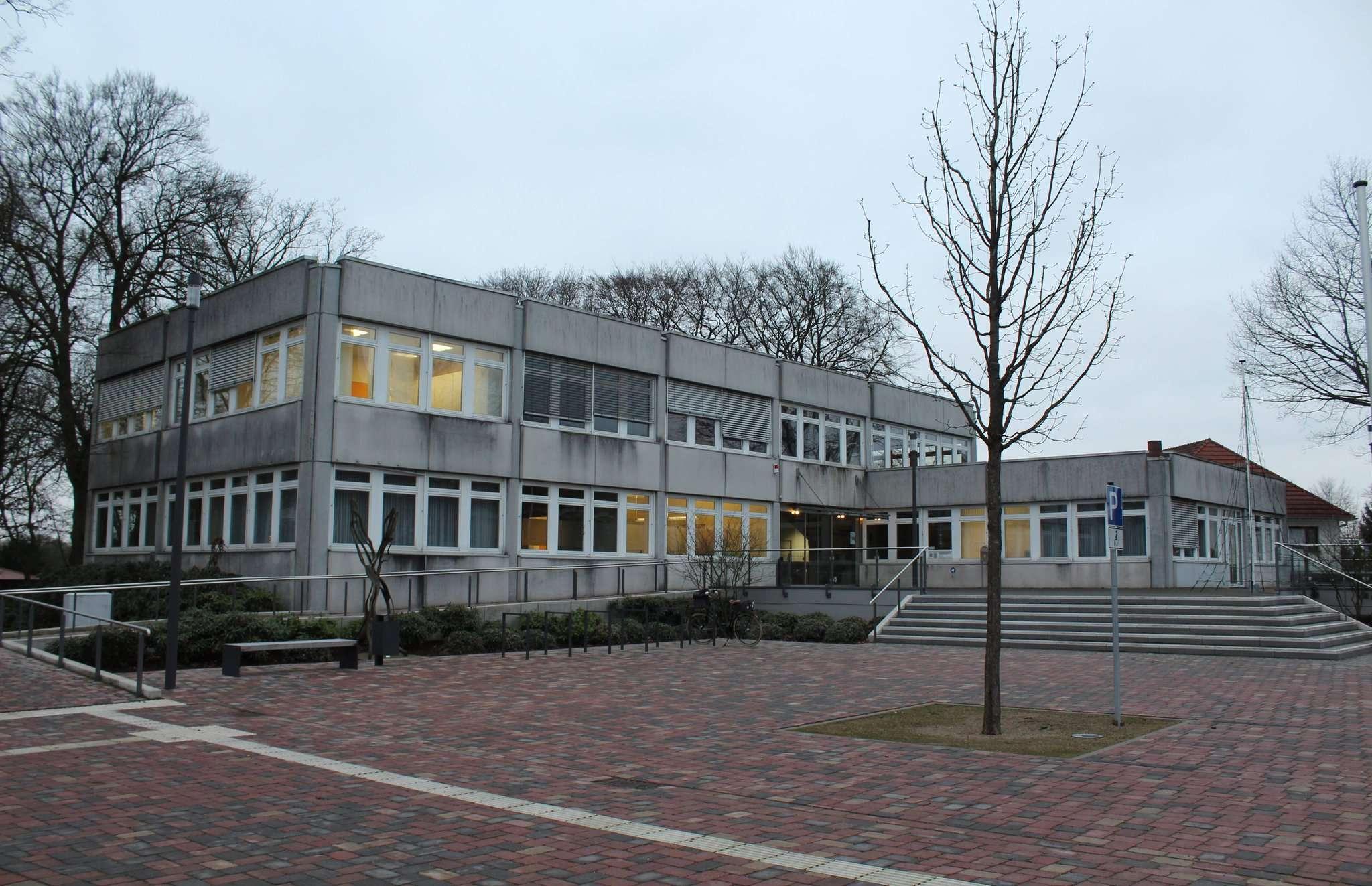 Die Aussenansicht des Scheeßeler Rathauses soll deutlich optimiert werden. Foto: Archiv
