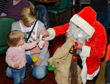 Weihnachtsmarkt in Westerholz lockt zahlreiche Besucher an