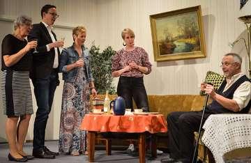 Theater Westerholz führt De Arvsliekers in Bestbesetzung auf
