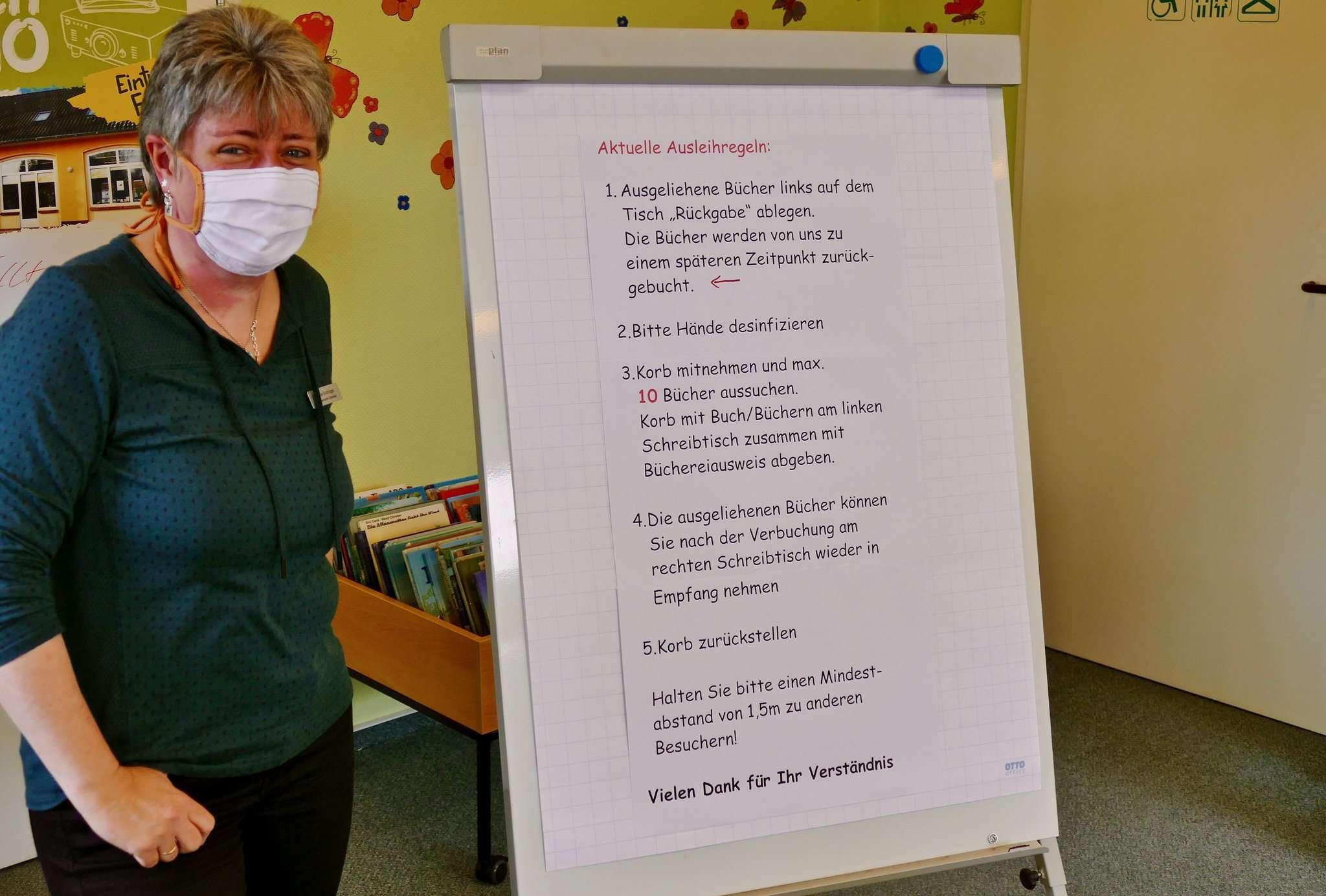 Die wichtigsten Stichworte zum Hygieneplan (mit Empfehlungen durch die Büchereizentrale Niedersachsen) sind auf einer Tafel im Eingangsbereich der Bücherei aufgelistet.