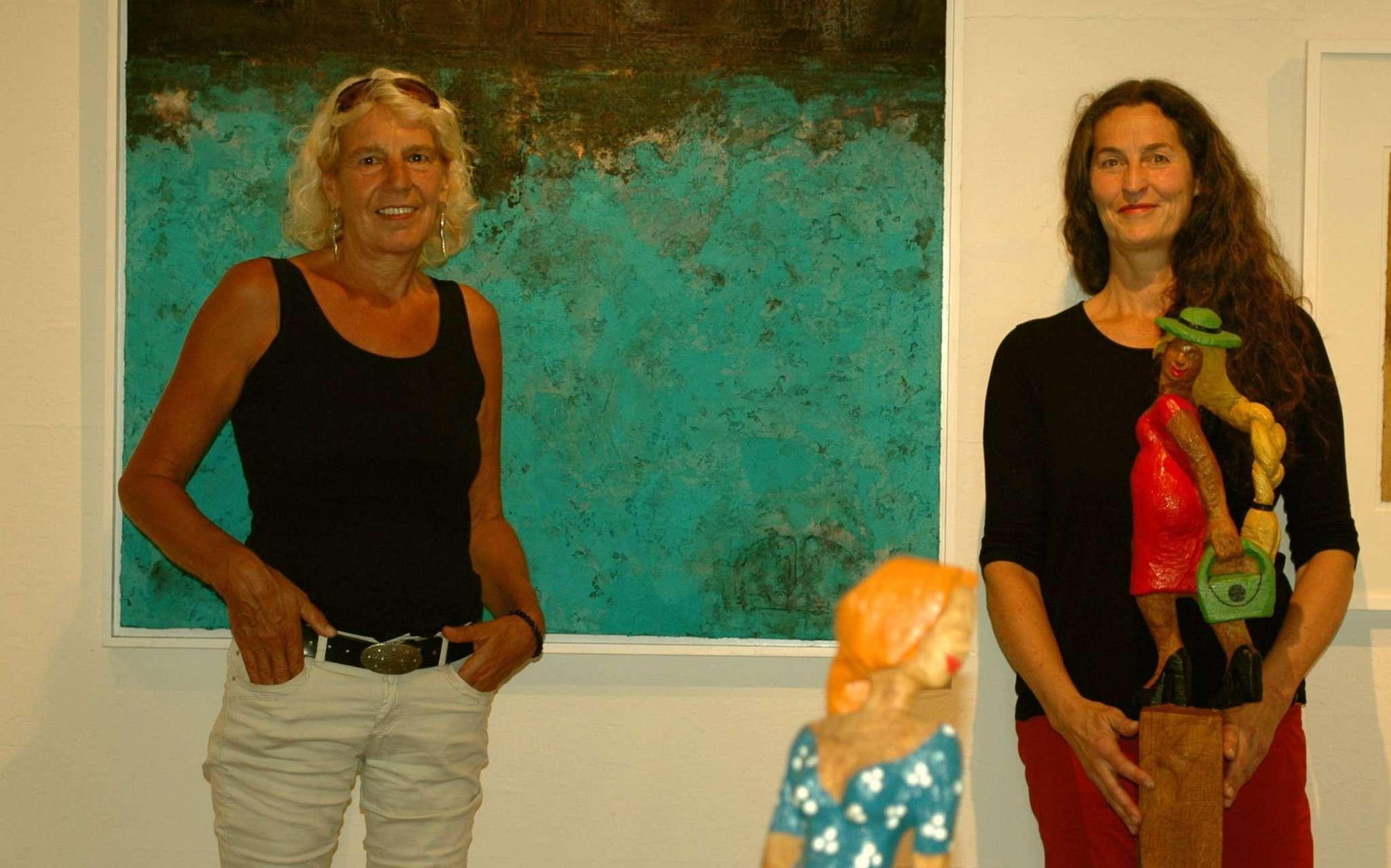 Maggie Luitjens aus Bremen und Ragna Reusch aus Ahausen stellen in den nächsten Wochen gemeinsam im Scheeßeler Meyerhof aus. Foto: Jens Lou00ebs