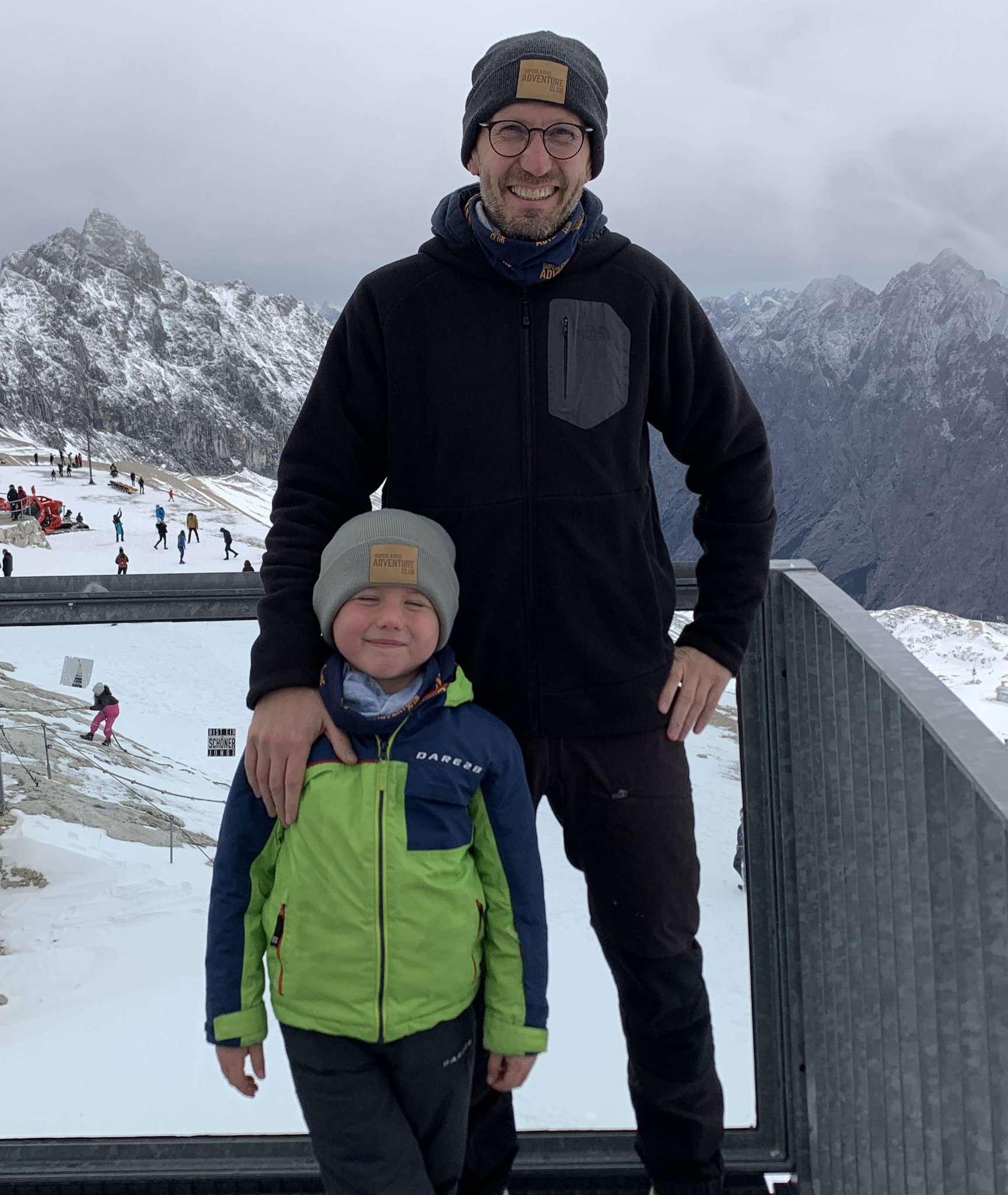 Patrick Siegmund und mit Sohn und Teamkollegen Laurenz auf der Zugspitze: