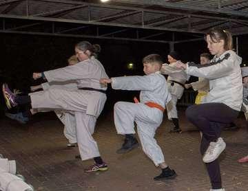 Karateka des TV Scheeßel trainieren an ungewöhnlichen Orten