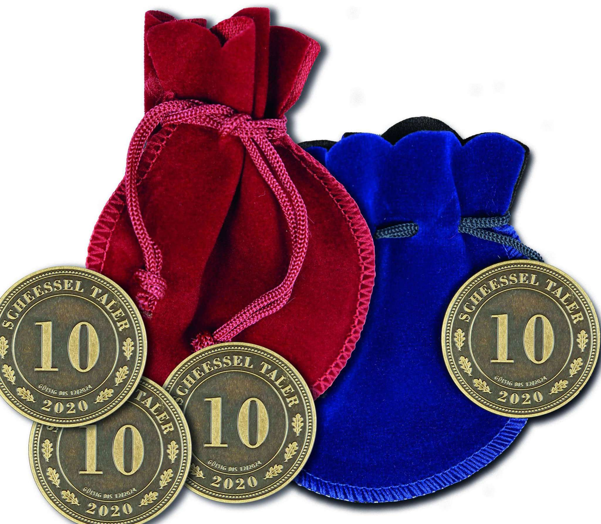 Mit dem ebenfalls erhältlichen Samtsäckchen ist der Scheeßel-Taler ein Geschenk für alle, die die lokale Wirtschaft unterstützen möchten.