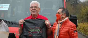 Fintaushuttle ehrt Günter Grus für 500 Tour