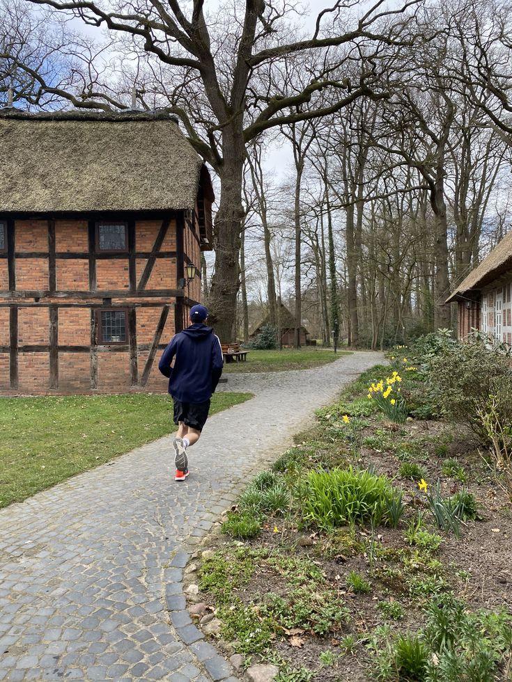 Marcel Henke läuft Marathon für den guten Zweck.