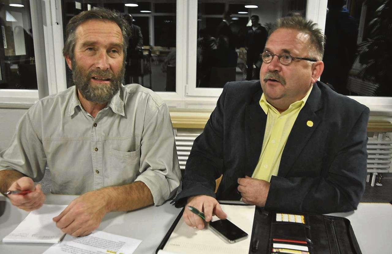 Manfred Cordes (links) und Günter Sprenger sind die neu bei der Samtgemeinde angestellten Mitarbeiter für die Flüchtlingsbetreuung.