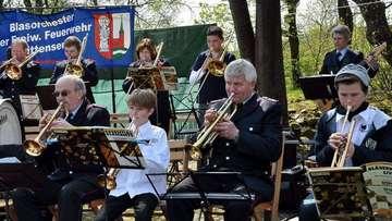 FeuerwehrBlasorchester sorgt für Stimmung
