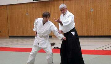VfLJudoka trainieren mit DanAikido Peter KlischeDrolshagen
