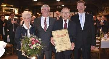 Gemeinde ernennt HeinzHermann Evers zum Ehrenbürgermeister
