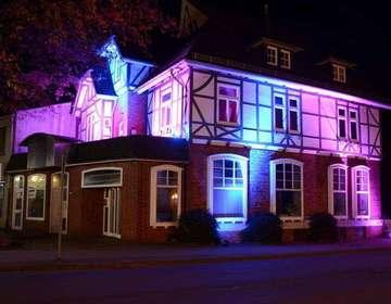 Zukunft Börde Sittensen lässt historische Gebäude illuminieren