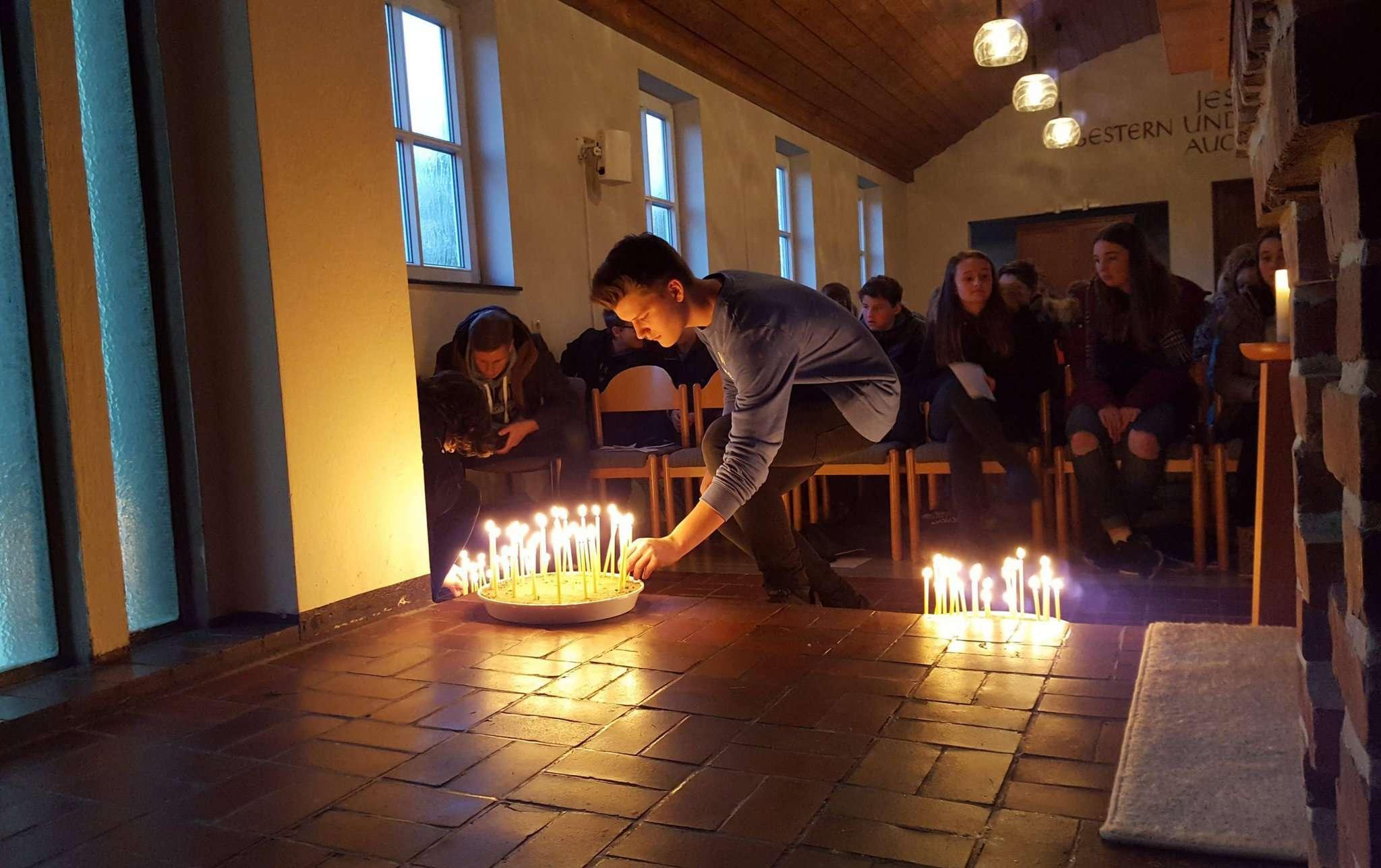 Ein Gottesdienst in der Lagerkirche fand für die Konfirmanden ebenfalls statt.