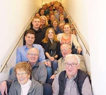 Trachtengruppe führt Versammlung durch