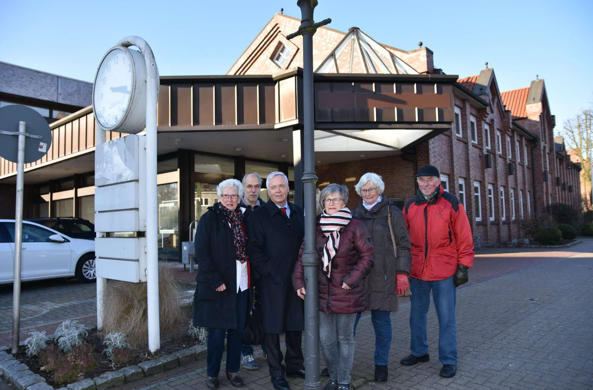 Der Seniorenbeirat sieht das ehemalige Volksbankgebäude in der Ortsmitte als idealen Standort für ein Mehrgenerationenhaus an. Foto: Heidrun Meyer