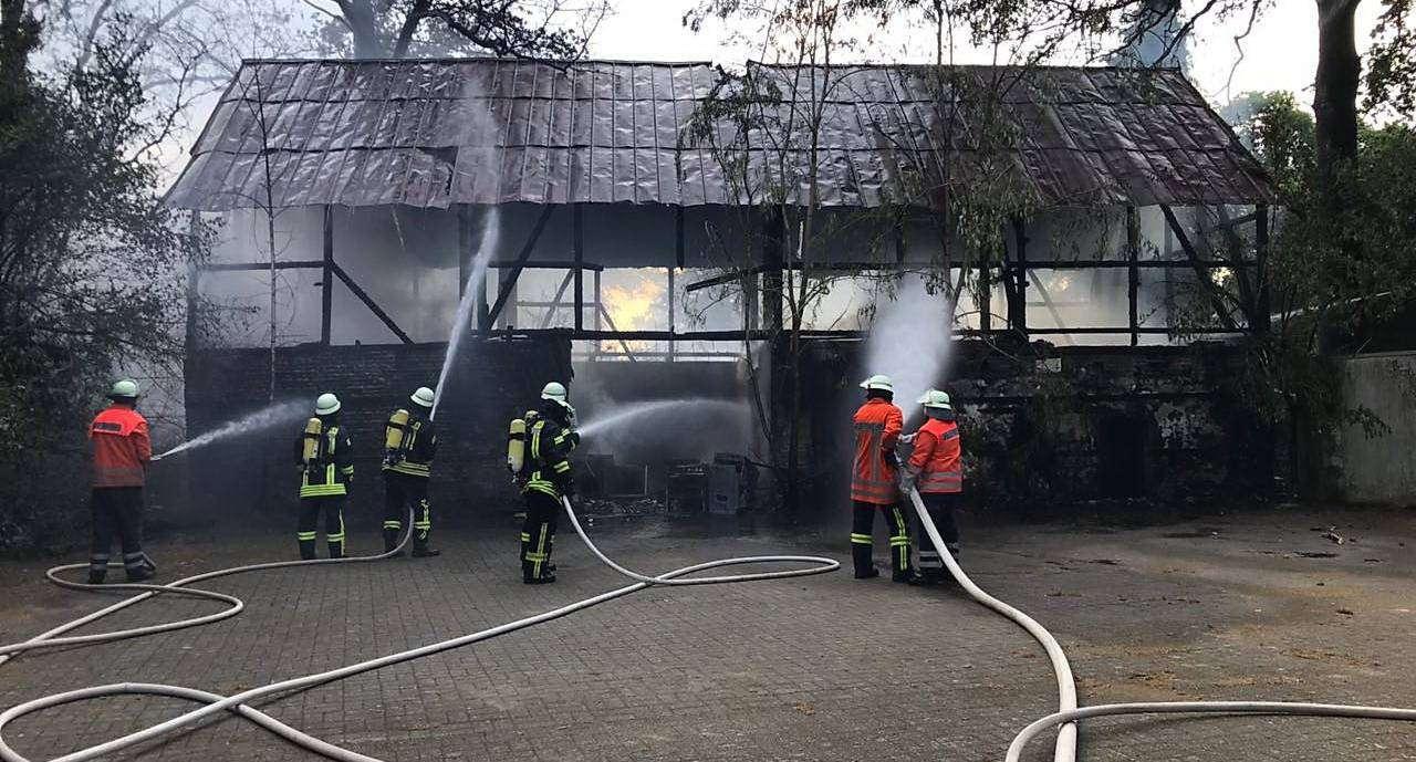 Eine Scheune in Sittensen stand am vergangenen Wochenende in Vollbrand. Foto: Feuerwehr