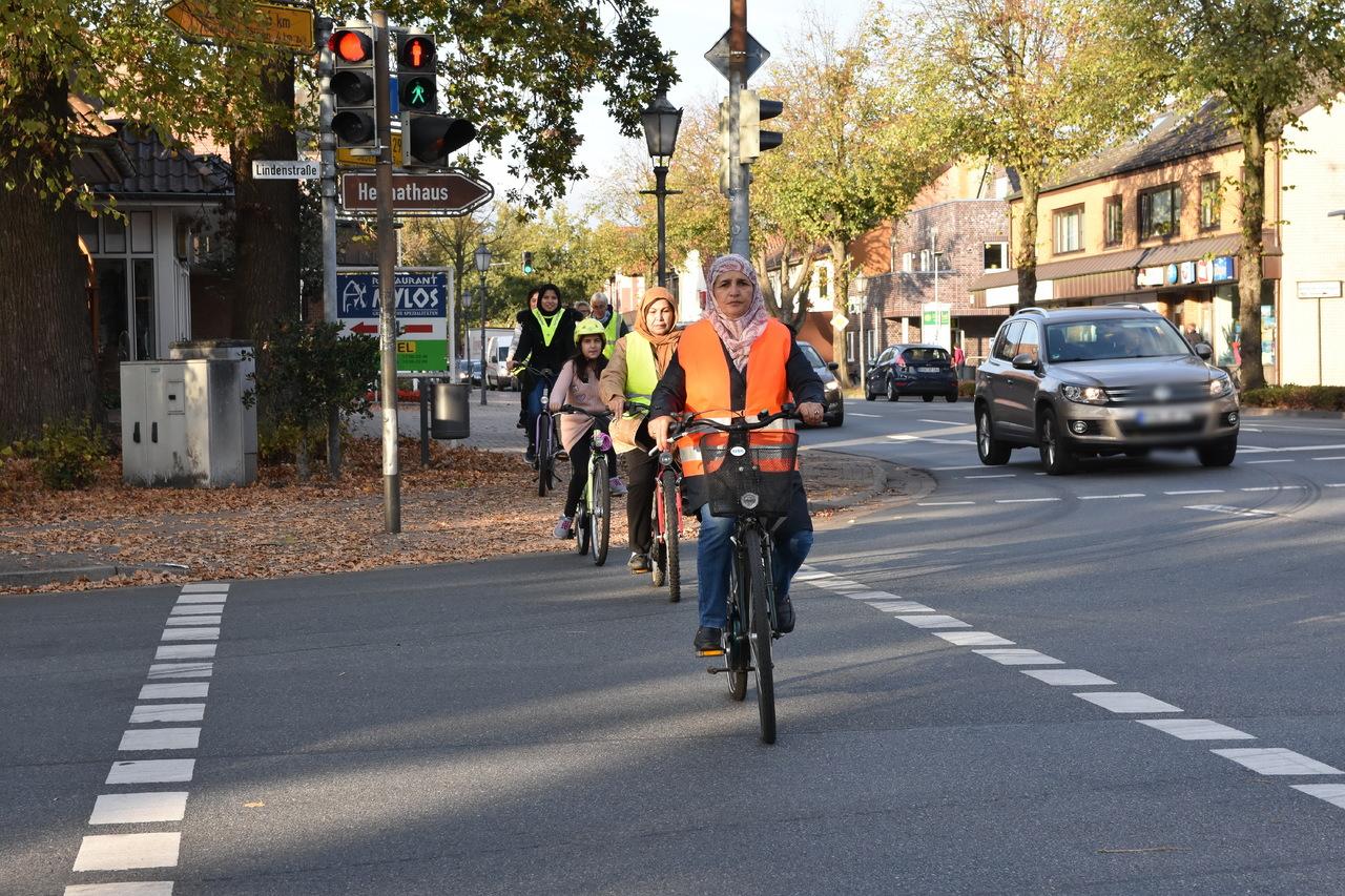 Am Kursende stand das Radfahren im Realverkehr auf dem Programm.  Foto: Heidrun Meyer
