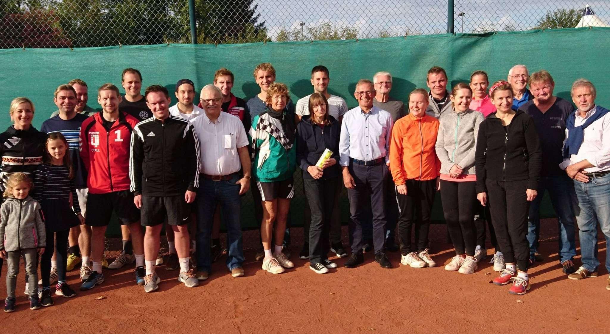 Die Doppel-Vereinsmeisterschaften waren das letzte offizielle Turnier in diesem Jahr für die VfL-Tennisspieler.