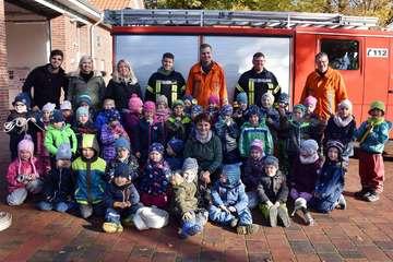 Feuerwehr besucht Kindergarten