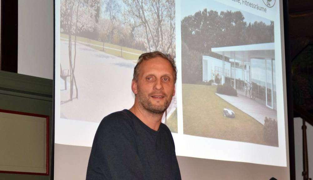 Egbert Haneke vom VfL-Kompetenzteam stellte das Vorhaben im Detail vor. Foto: Heidrun Meyer