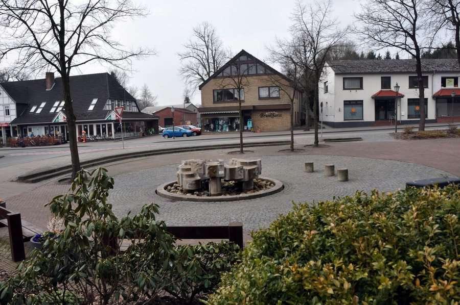 Wie soll der Marktplatz in Zukunft aussehen? Mit dieser Frage beschäftigt sich der Verein Zukunft Börde Sittensen. Foto: Meyer