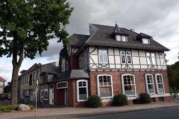 Rat und Ausschuss gegen Festsetzung historischer Gebäude