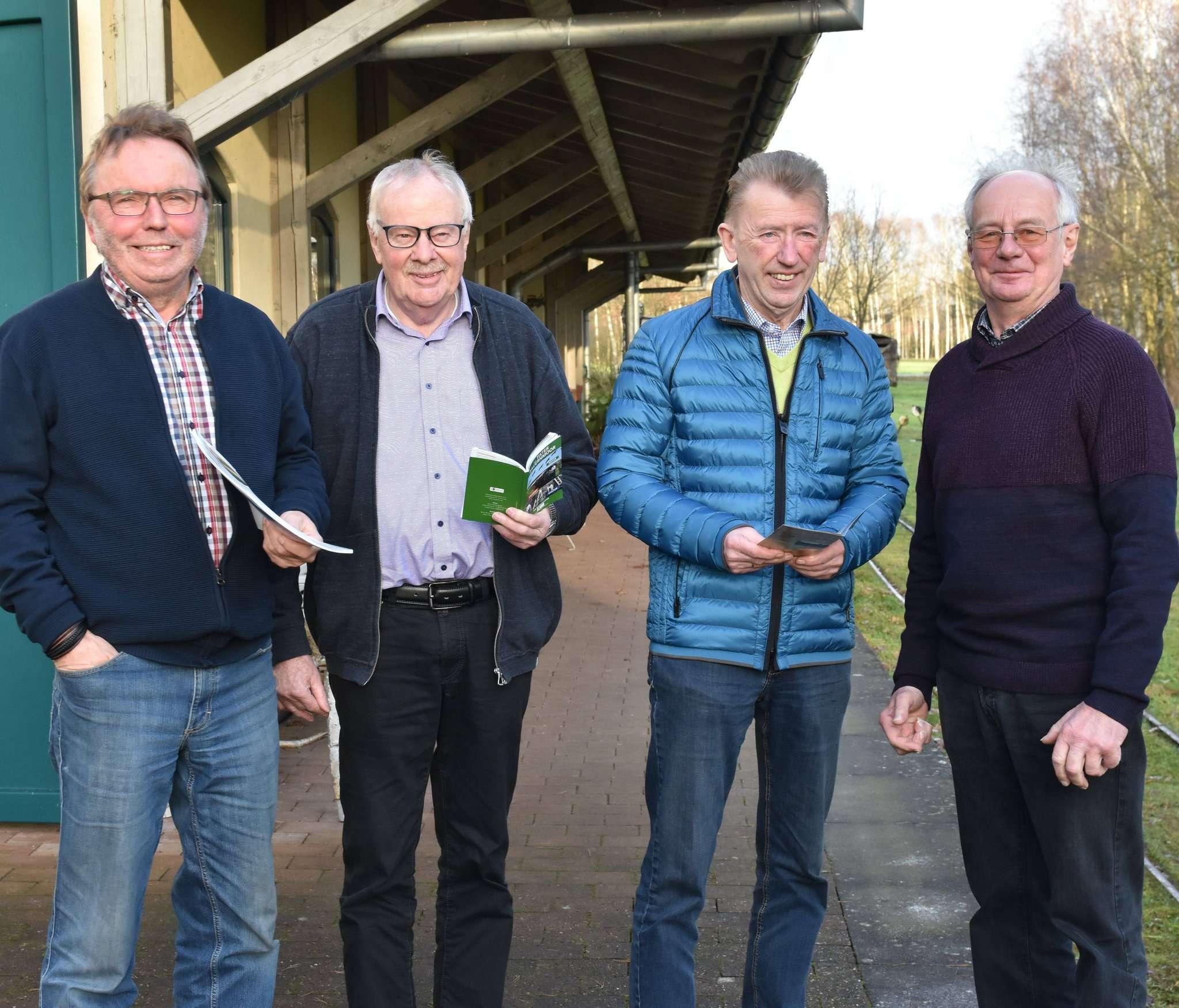 Jürgen Otten (von links), Hartmut Vollmer, Bernd Herzig und Hans-Werner Düver ziehen beim Blick zurück auf das vergangene Jahr ein positives Resümee. Foto: Heidrun Meyer