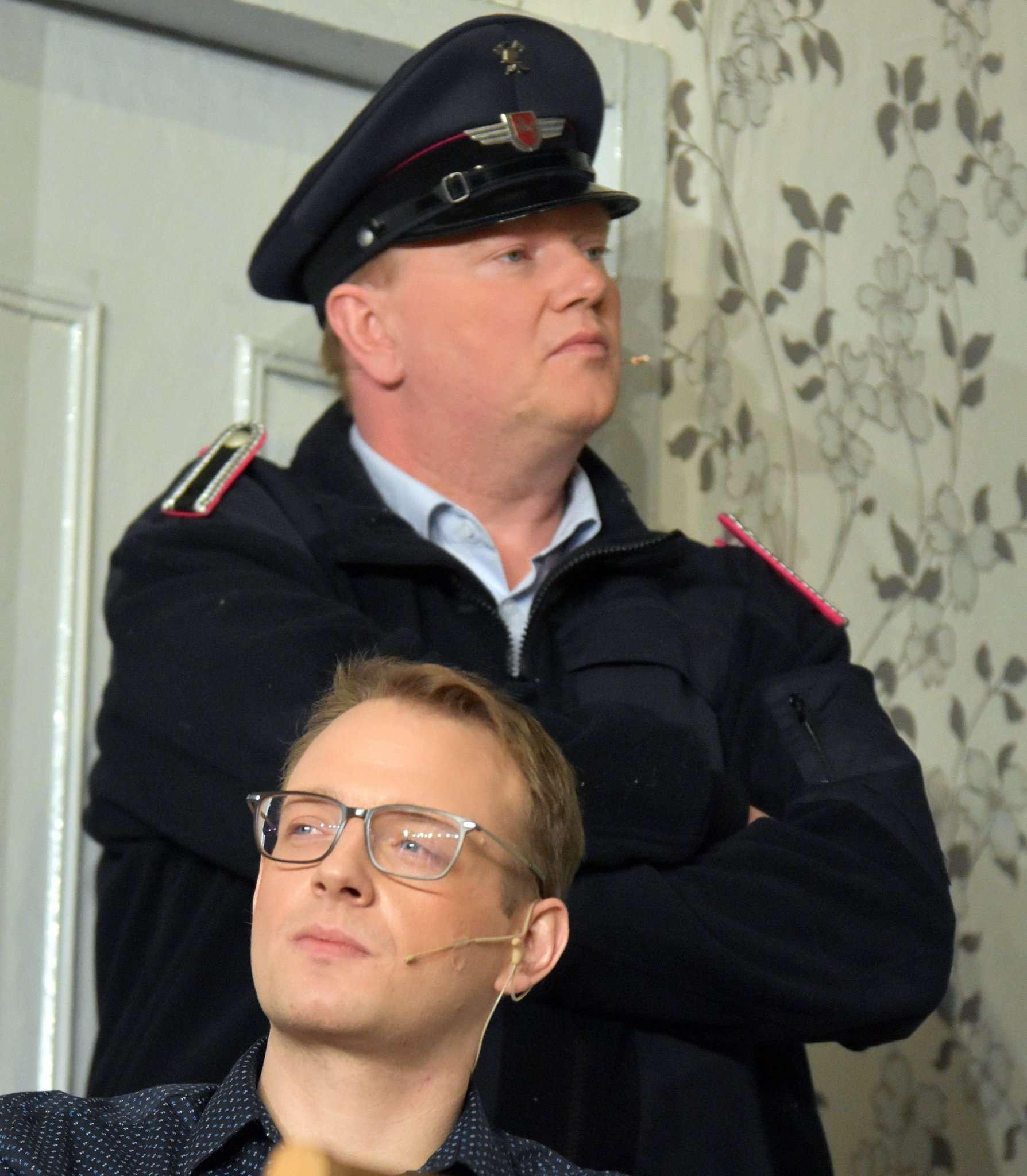 Oskar (vorne) und Alfons wollen Hugo aus der Bredouille helfen.
