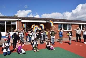 Grundschule Viertklässler trotz Corona feierlich verabschiedet