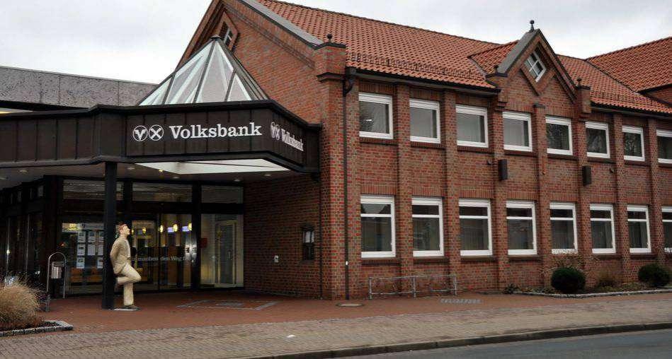 Der Rat der Samtgemeinde Sittensen stimmte dem Verkauf des ehemaligen Volksbankgegäudes zu. Foto: Heidrun Meyer