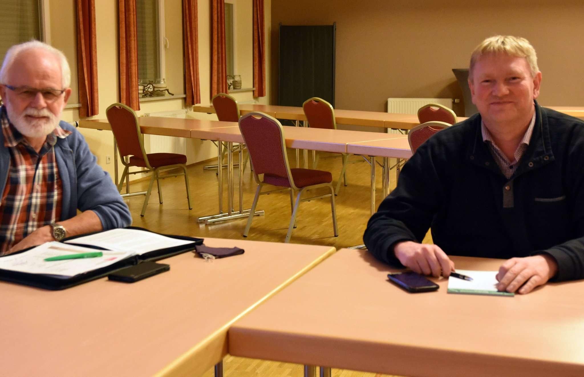 Herbert Osterloh, Sprecher der Mehrheitsgruppe aus SPD, WFB und Grünen (links) und CDU-Fraktionsvorsitzender Dirk Detjen. Foto: Heidrun Meyer