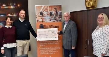 BaufiTeam übergibt Spende an Hospizverein