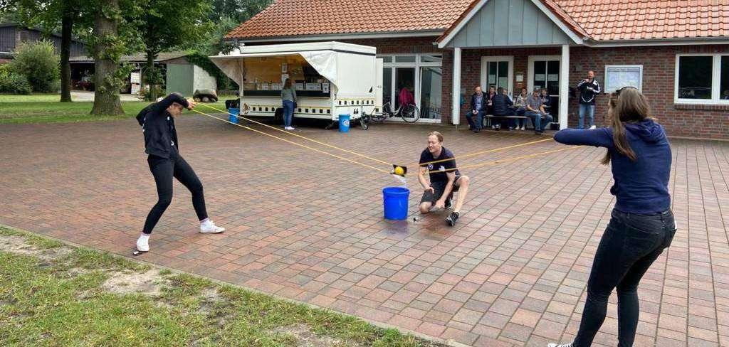 An den einzelnen Stationen sorgten unter anderem lustige Spielaufgaben für viel Spaß.