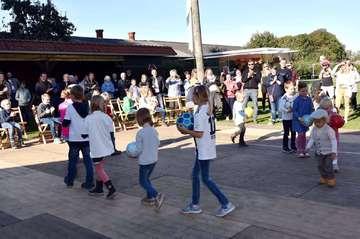 Dorfjugend initiiert Erntedankfeier unter freiem Himmel