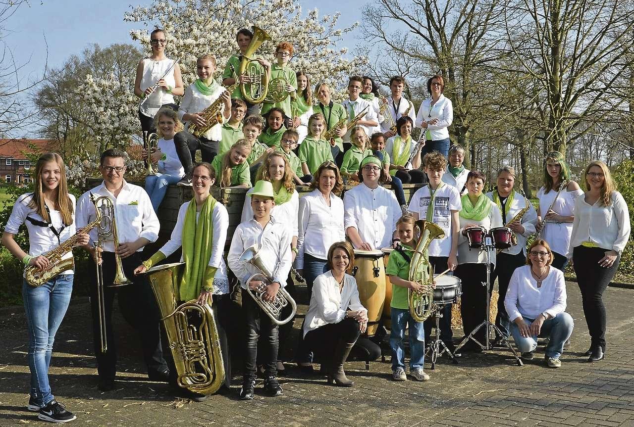 Junges Orchester u2013 frische Töne. Das Junge Orchester Auenland blickt auf fünf Jahre Vereinsleben zurück und feiert den Meilenstein mit einer Geburstagsfete im Heimat- und Kulturhaus Hellwege.