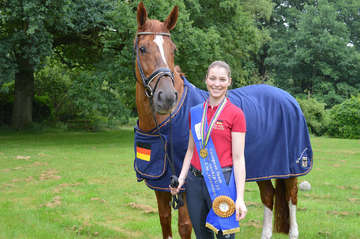 Nadine Husenbeth ist Europameister in der U25TeamDressur  Von Andreas Schultz