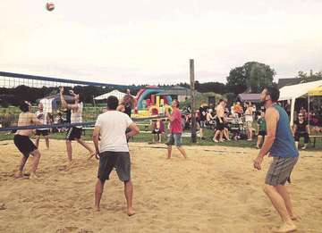 Offenes Volleyballturnier in Stapel