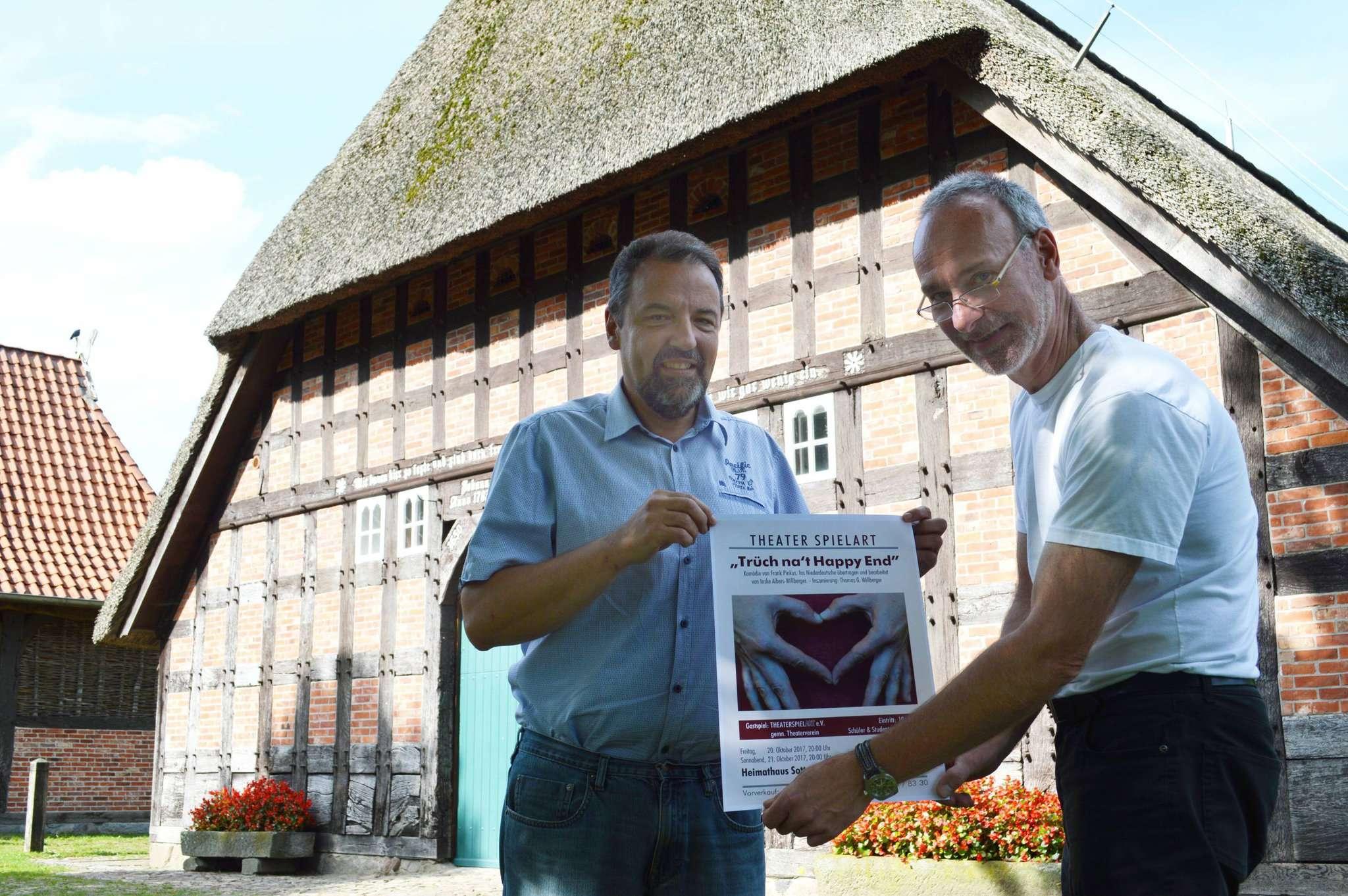 Hans-Jürgen Krahn und Thomas G. Willberger freuen sich auf die Aufführungen im Heimathaus Sottrum. Foto: Andeas Schultz