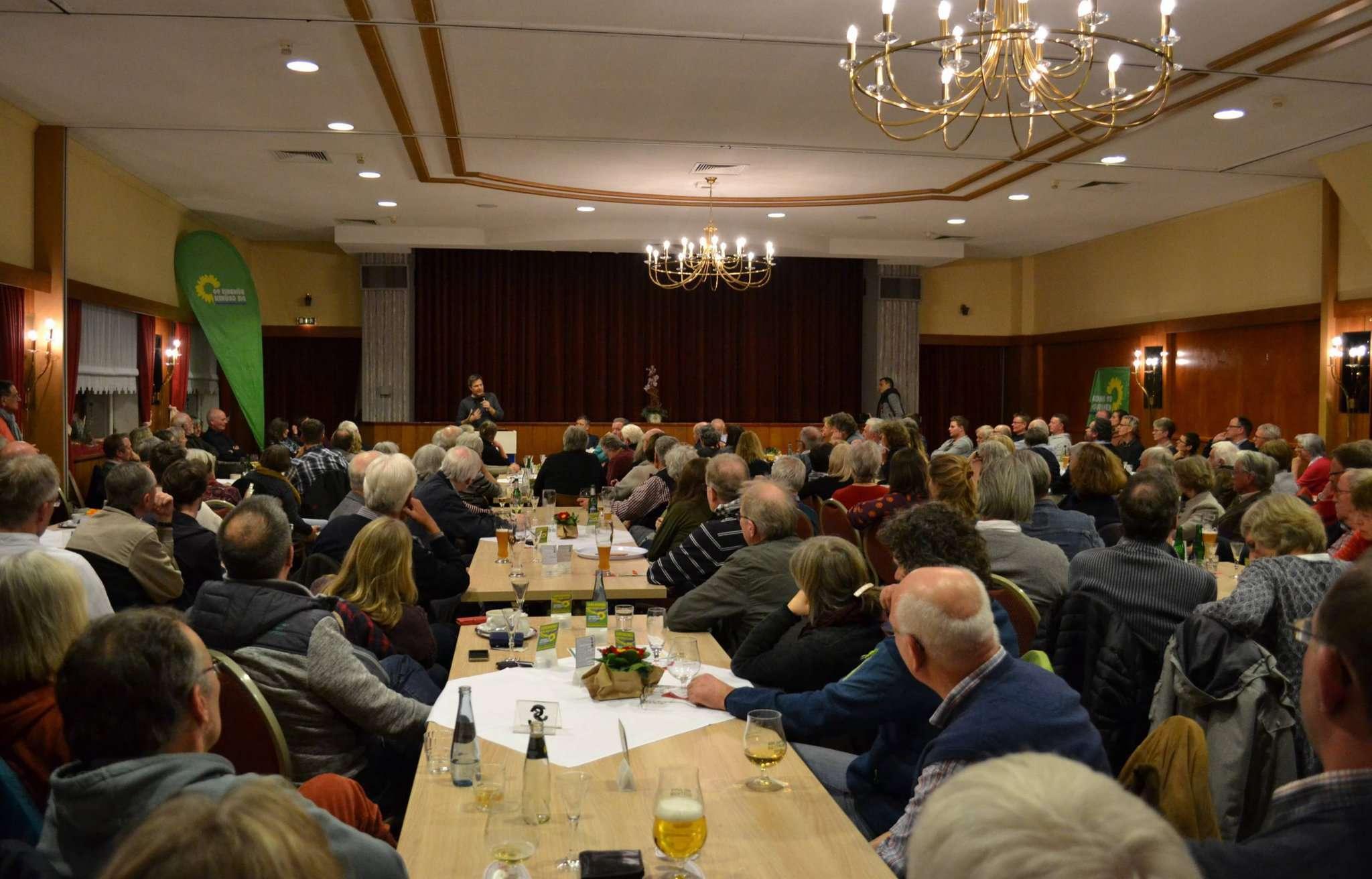 Robert Habeck sorgte bei der Vortragsveranstaltung der Grünen des Landkreises Rotenburg für volles Haus.