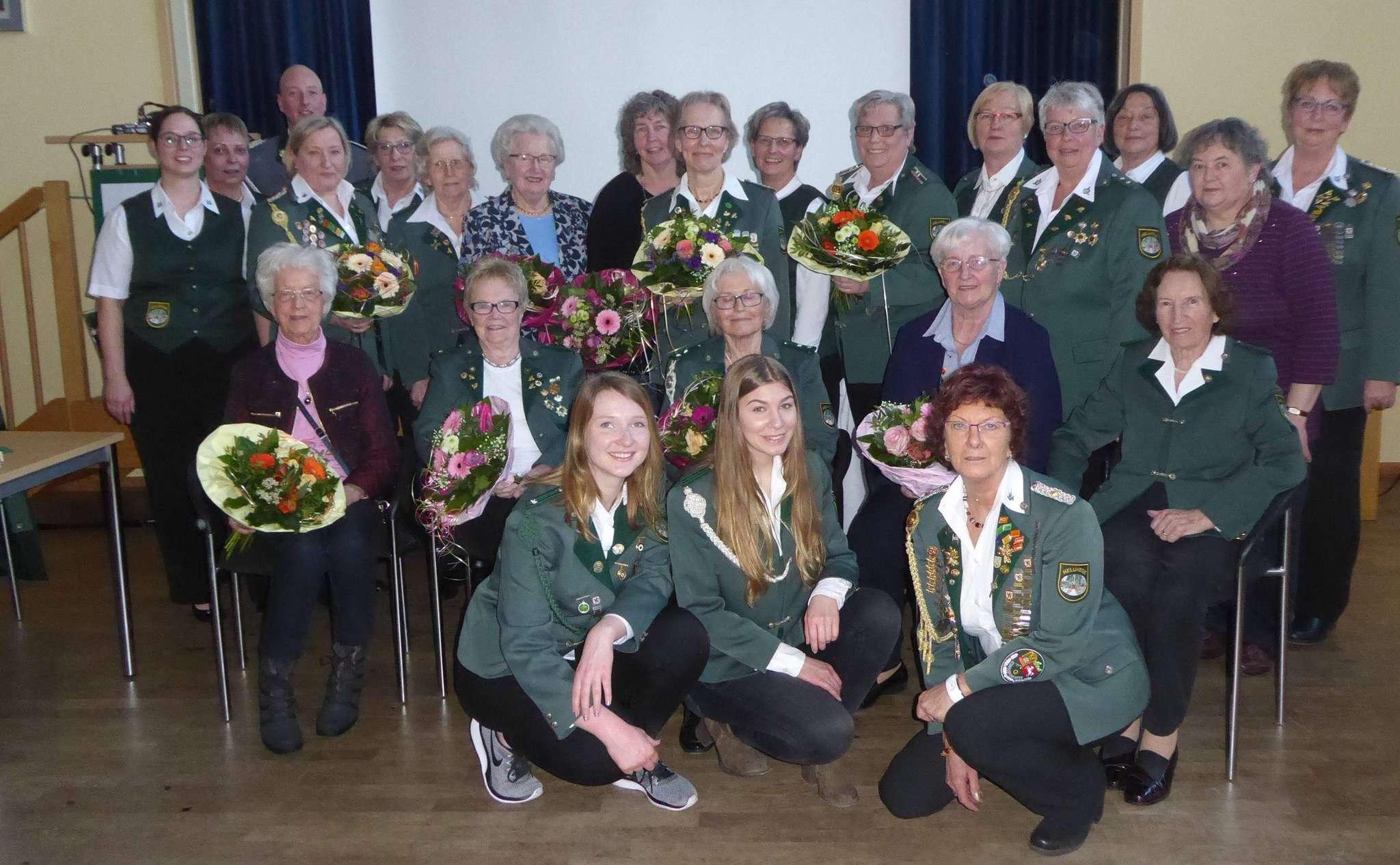 Die Damenabteilung des Schützenvereins Hellwege feiert 50-jähriges Bestehen.