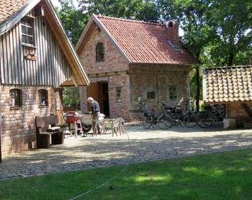 Initiative Mühlenhof werkelt seit zehn Jahren an Hellweges historischem und sozialen Ortsmittelpunkt