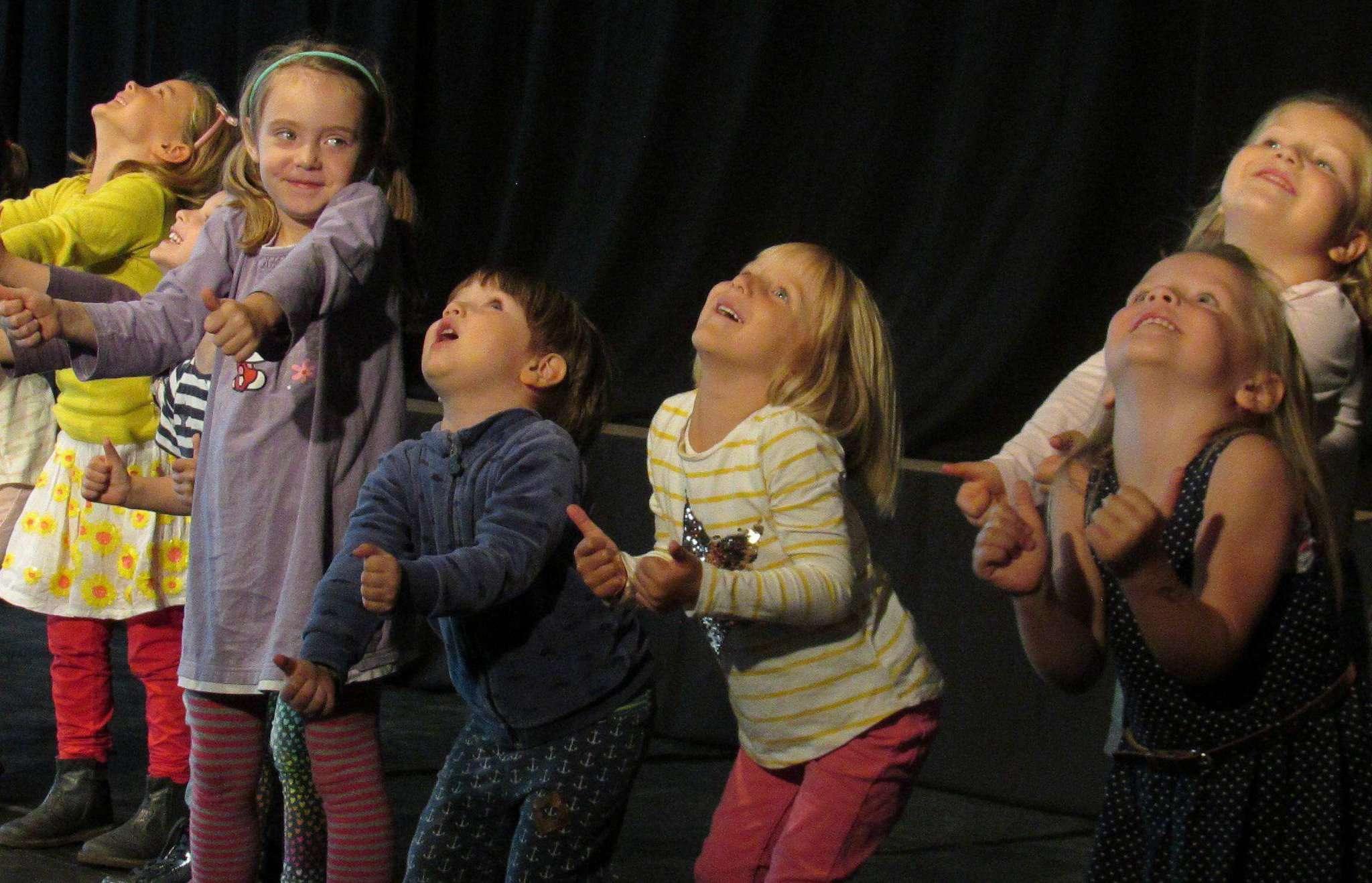 Die Lütten vom Kindergarten Hellwege zeigten, dass Tanzen auch Spaß macht, wenn man sich nicht so hundertprozentig an die Choreografie hält.