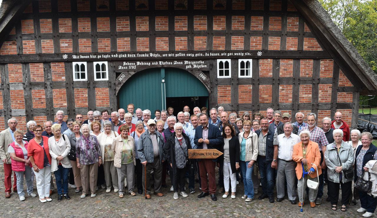 Wenn Sottrumer aus dem Landkreis Hildesheim auf Sottrumer aus dem Landkreis Rotenburg treffen, ist das gemeinsame Gruppenbild ein Muss.