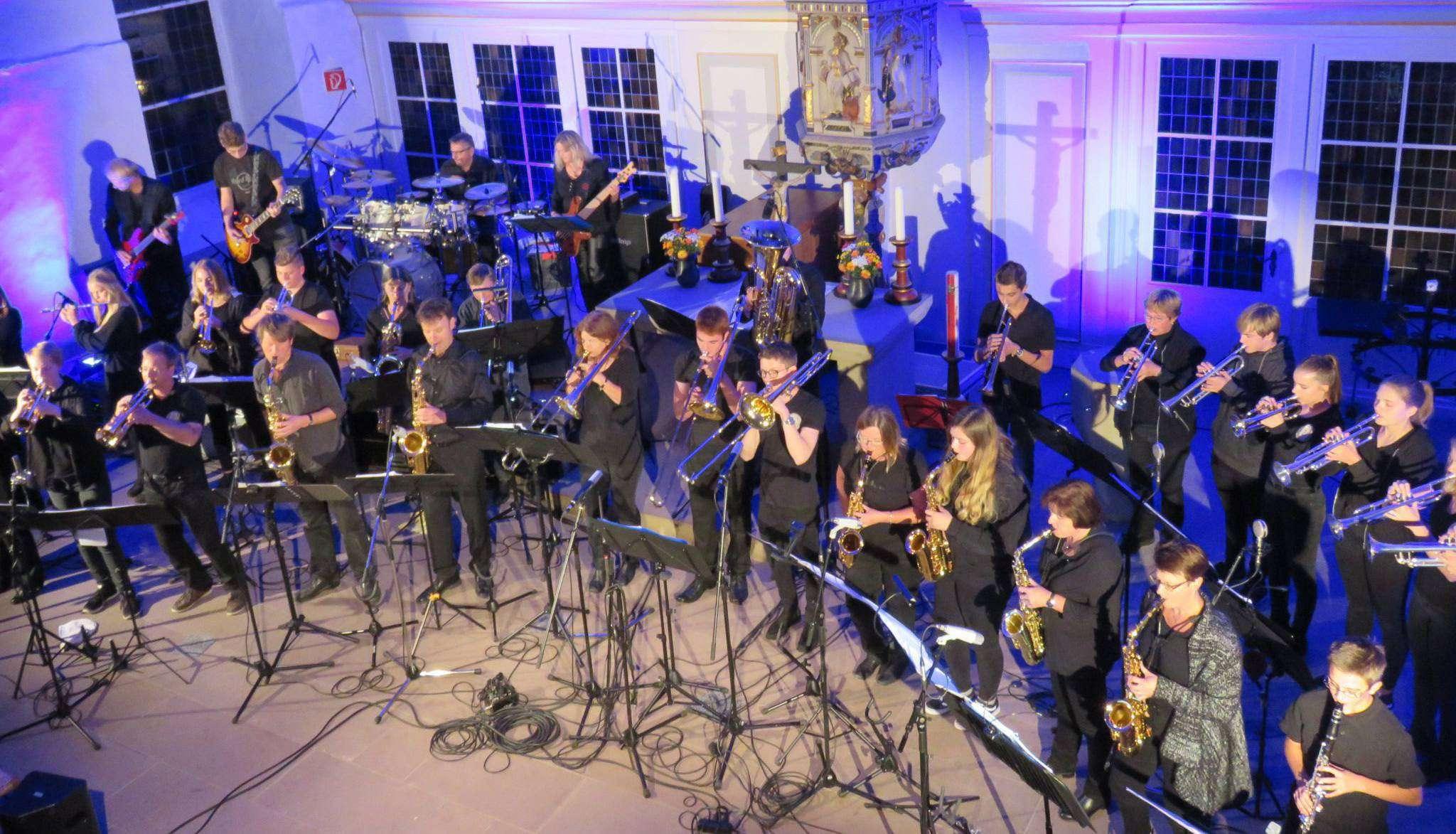 Wildes Blech sorgte kürzlich in der Sottrumer Kirche für ein Klangerlebnis, das noch lange nachhallen wird.