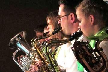Junges Orchester Auenland glänzt mit Jahreskonzert in Ahausen  Von Wilfried Adelmann