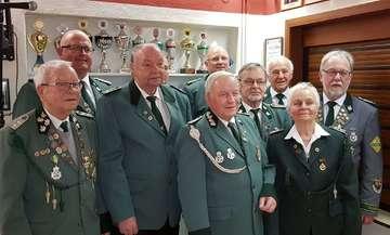 Schützen ehren treue Mitglieder